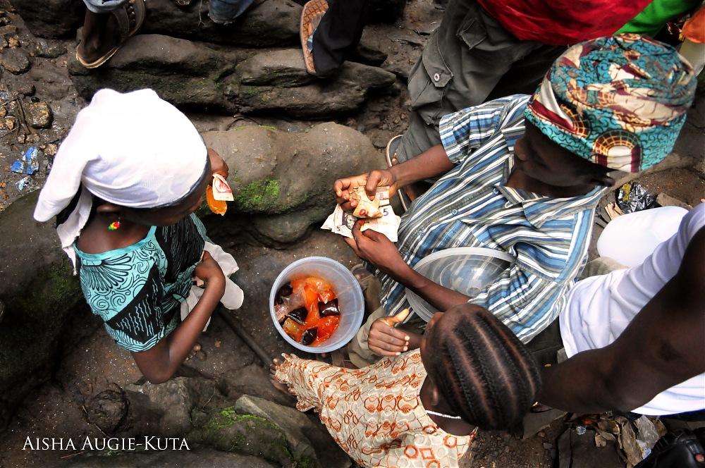 photoblog image Art of Selling at Osun-Osogbo Festival, Nigeria