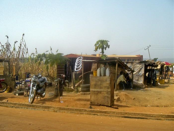 photoblog image Roadside Mechanic