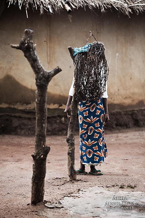 photoblog image Gishiri Fulani settlement: Live sculpture
