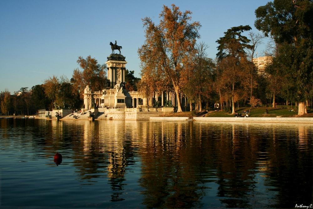 photoblog image Retiro Lake