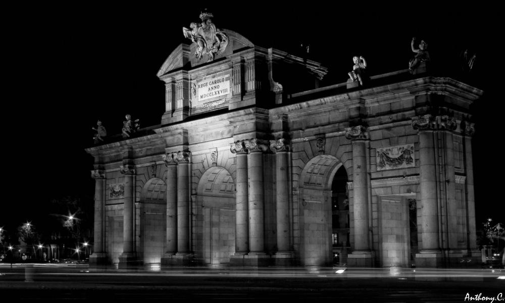 photoblog image Puerta de Alcalá