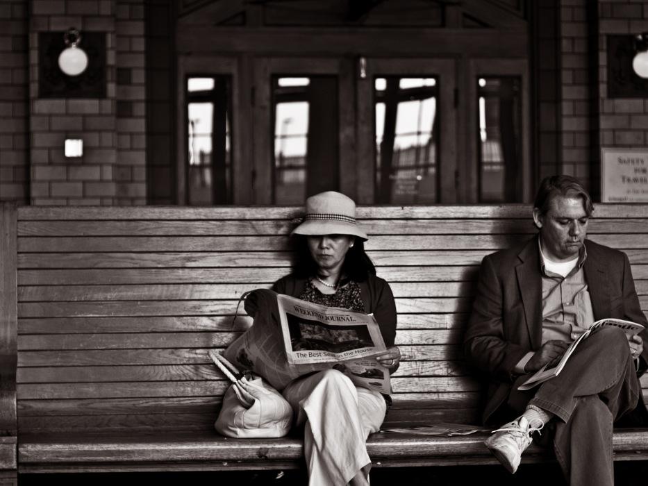 photoblog image Train Stop  #1 : Waiting