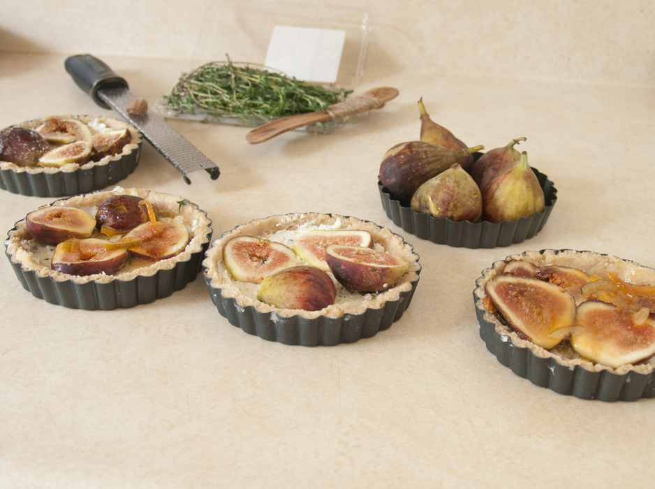 photoblog image Fig and blue cheese tartlette, pre-bake