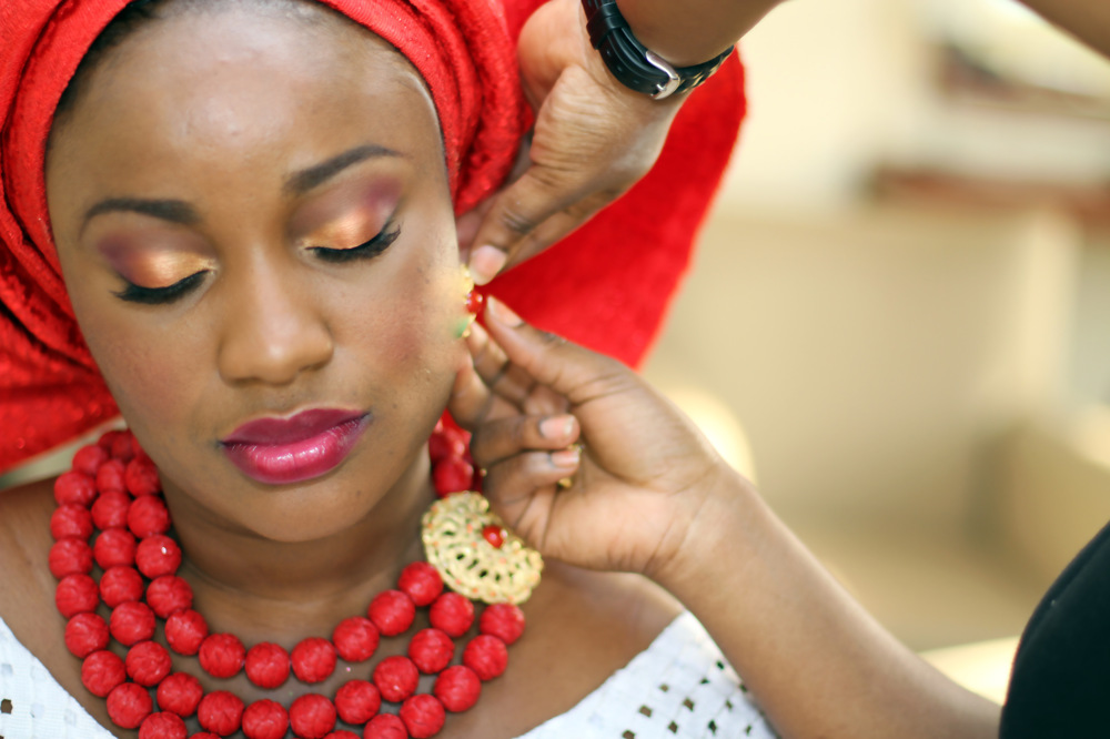 photoblog image BRIDE GETS READY FOR HER TRADITIONAL WEDDING