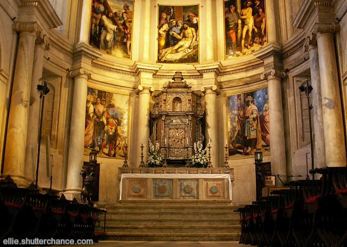 photoblog image Altar. Monastery of Jerónimos. Belem ~ Sunday # 16