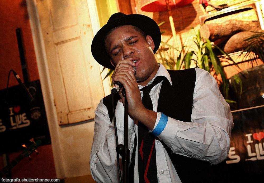 photoblog image La Rebla Fam Vocalist Live @ iluvlive Favela Chic #2