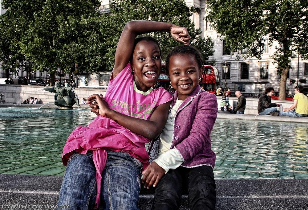 photoblog image Smiley & Grumpy @ Trafalgar Square