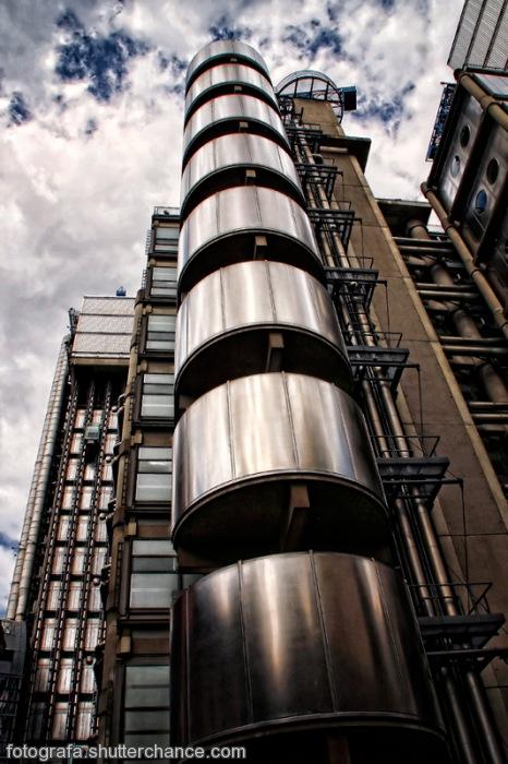 photoblog image Llyods London