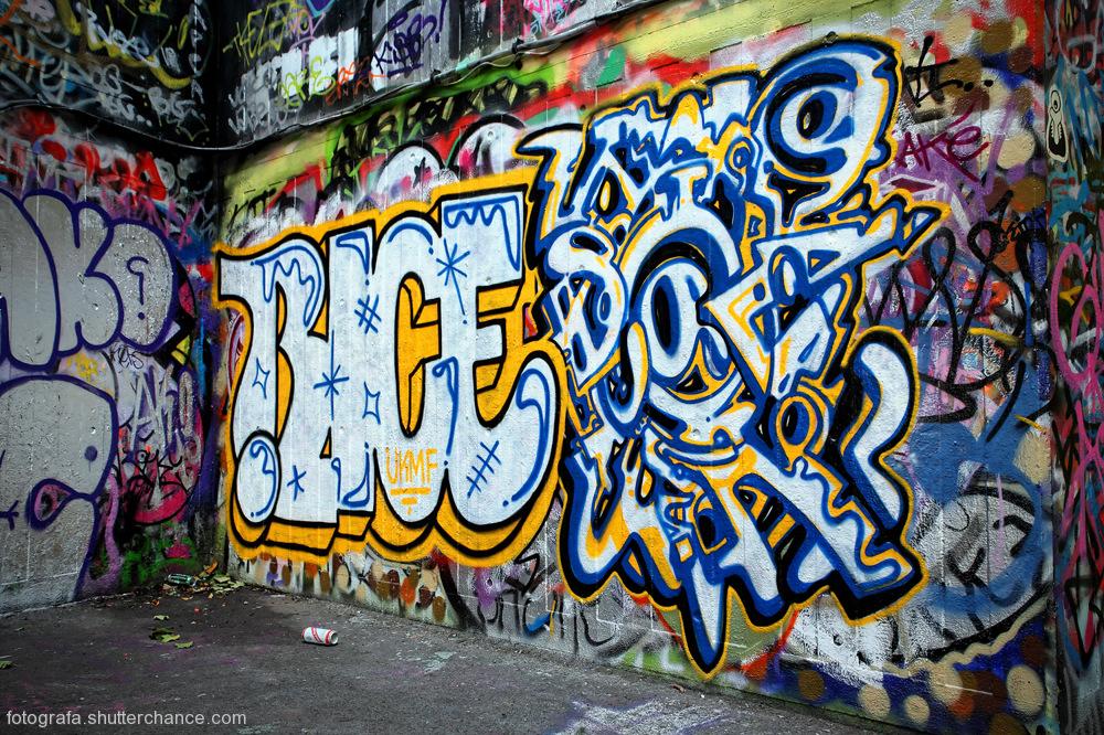 photoblog image Along The South Bank - Street Art #15
