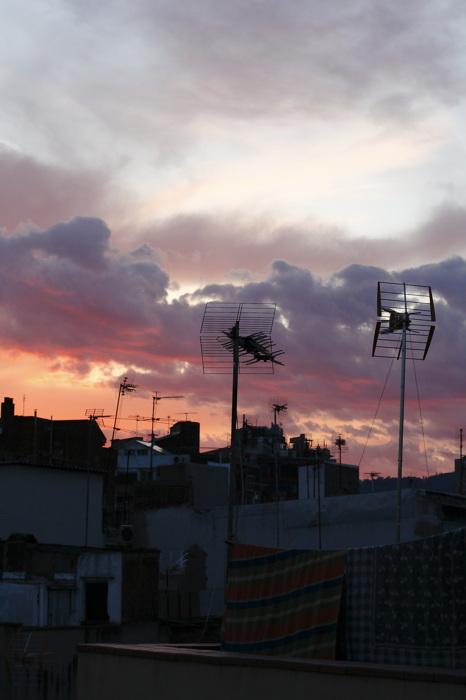 photoblog image Antenas y nubes.