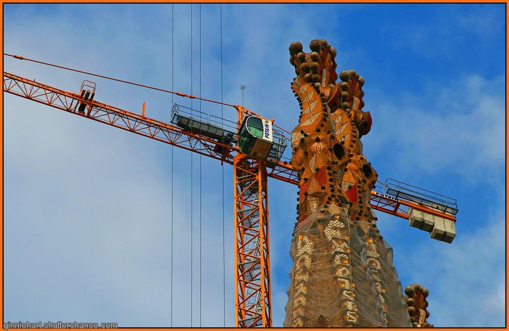 photoblog image Gaudí's Crane