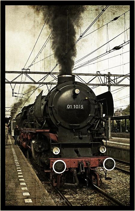 photoblog image 01 1075 (007?) Blowing Off Steam