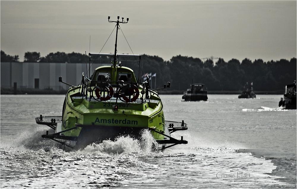 photoblog image Fast Boat to China