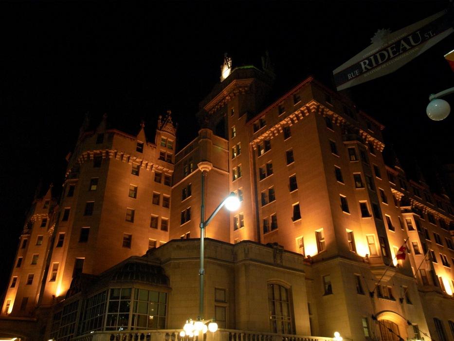 photoblog image Chateau Laurier at night - Ottawa, Canada