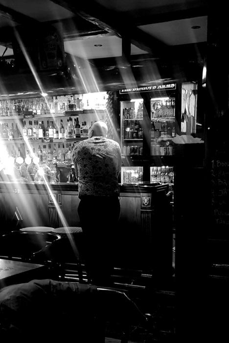 photoblog image Vid baren - At the bar