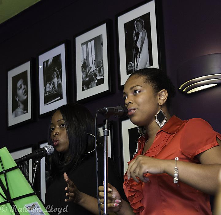 photoblog image Songstresses...