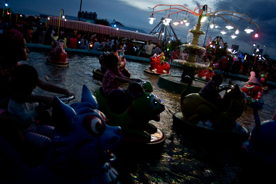 photoblog image Phnom Penh fairgrounds at nightfall