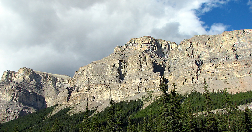 photoblog image Around The World - Castle Mountain