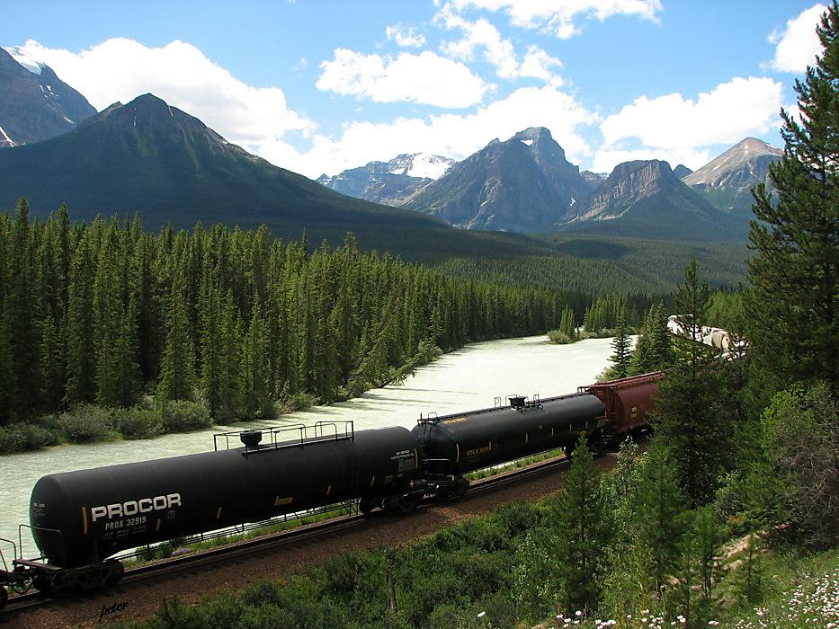 photoblog image Around The World - Freight Train Bow Ri. Valley 2