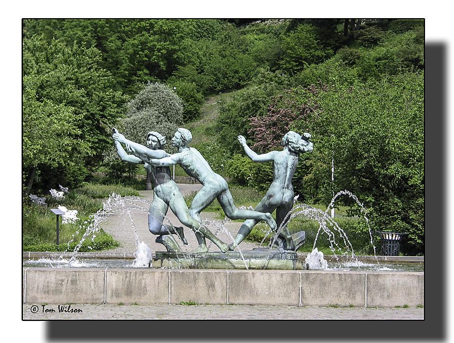 photoblog image Helsiongborg, park fountain.