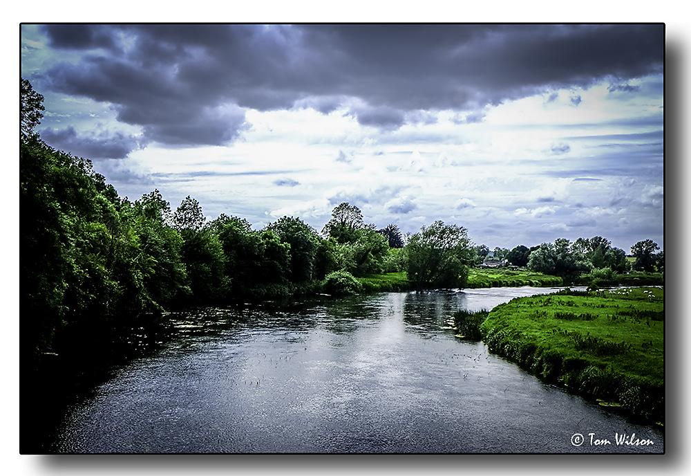 photoblog image River Boyne at Newgrange