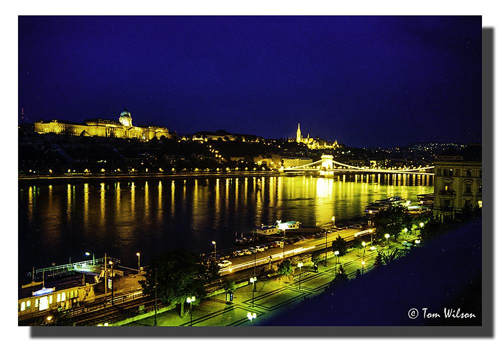 photoblog image Buda by night