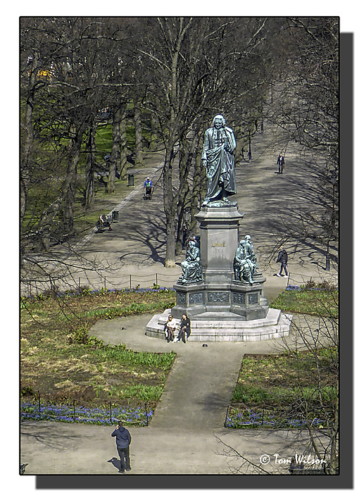 photoblog image Linnaeus Statue