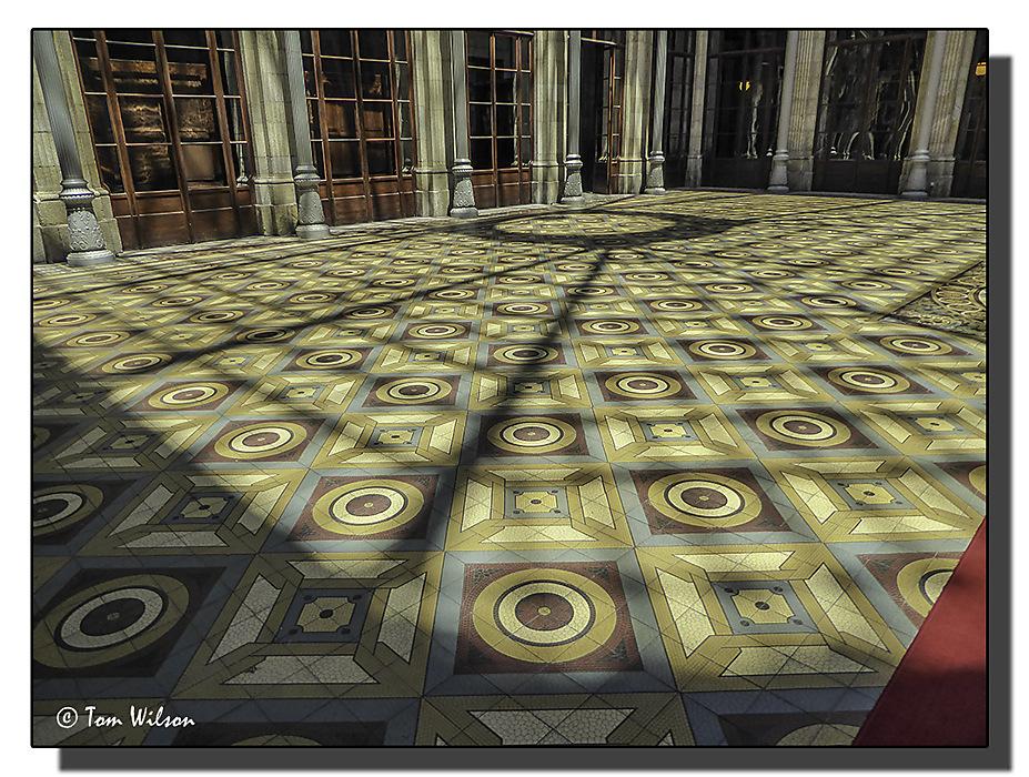 photoblog image Porto - Old Stock Exchange -courtyard floor