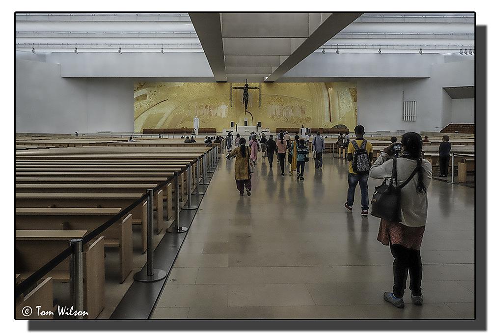 photoblog image Fatima - Basilica of the Santissima Trinidade: Interior