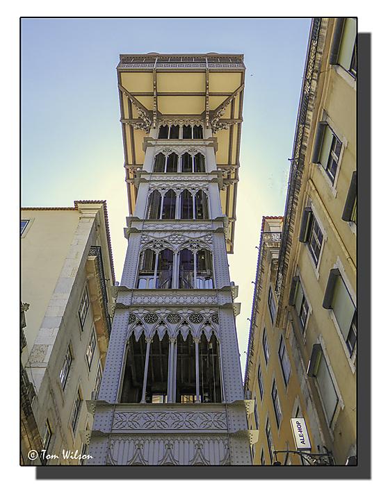 photoblog image Lisbon-the Elevador de Santa Justa
