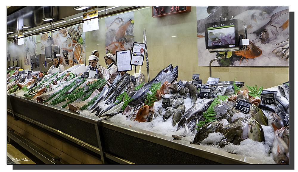 photoblog image Lisbon - At the fish counter
