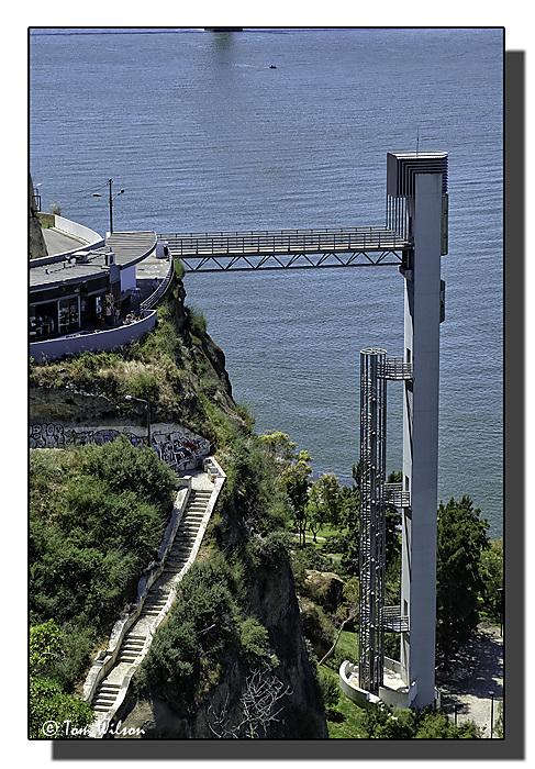 photoblog image Almada lift