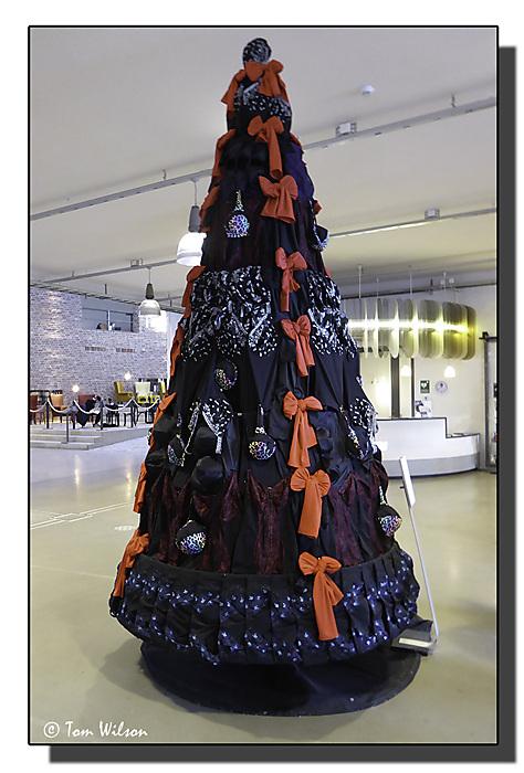 photoblog image Boras - Miss Mary's tree