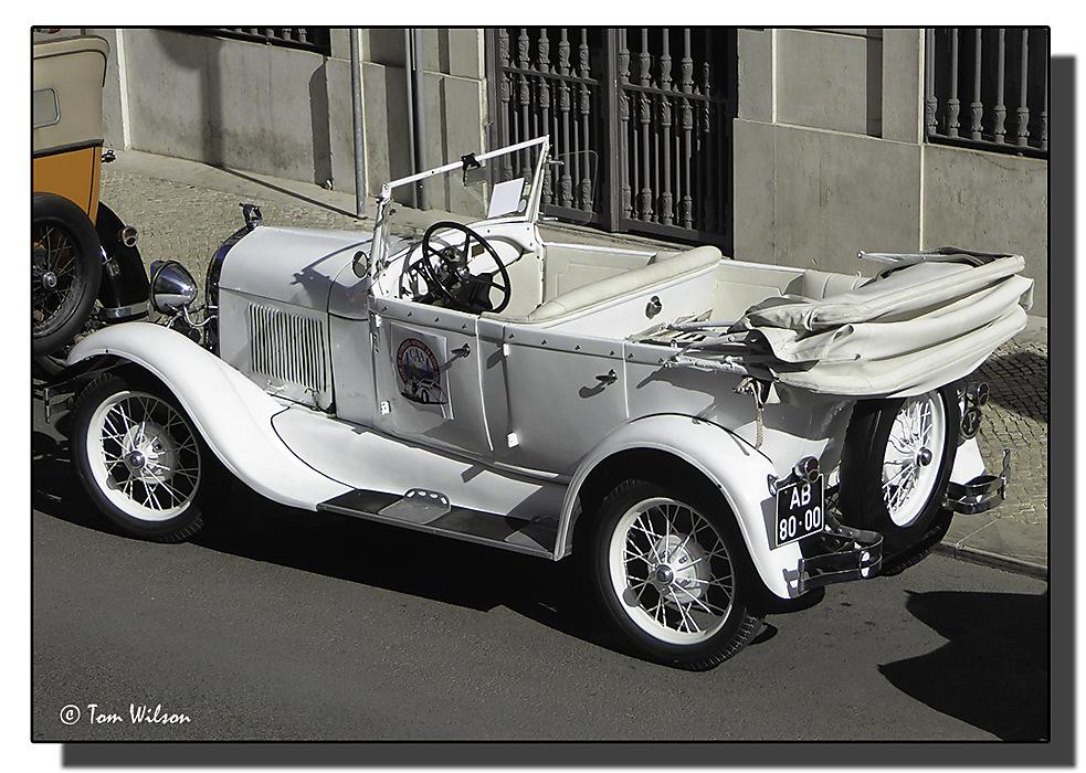photoblog image Lisbon - Vintage Car