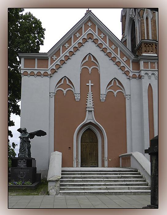 photoblog image Rasos cemetery chapel