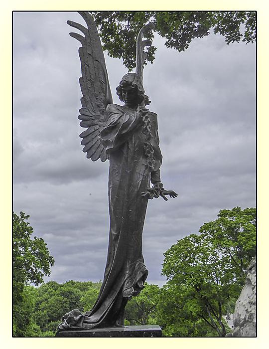 photoblog image Rasos cemetery - angel