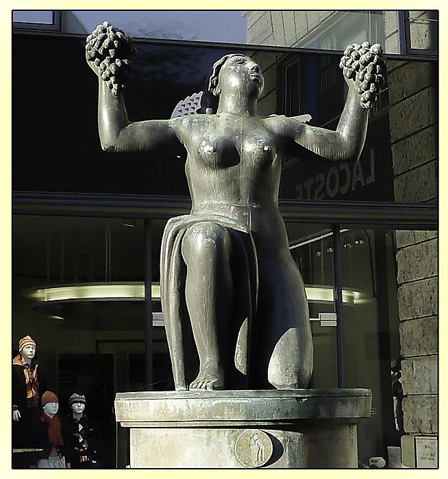 photoblog image Statue, Stuttgart