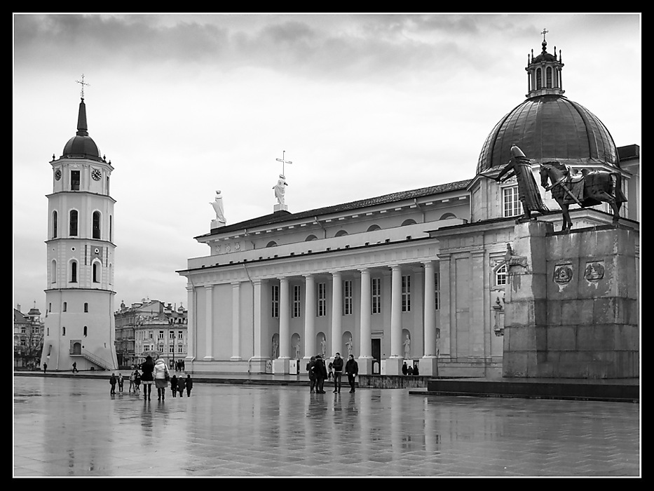 photoblog image Vilnius - Cathedral and bell tower