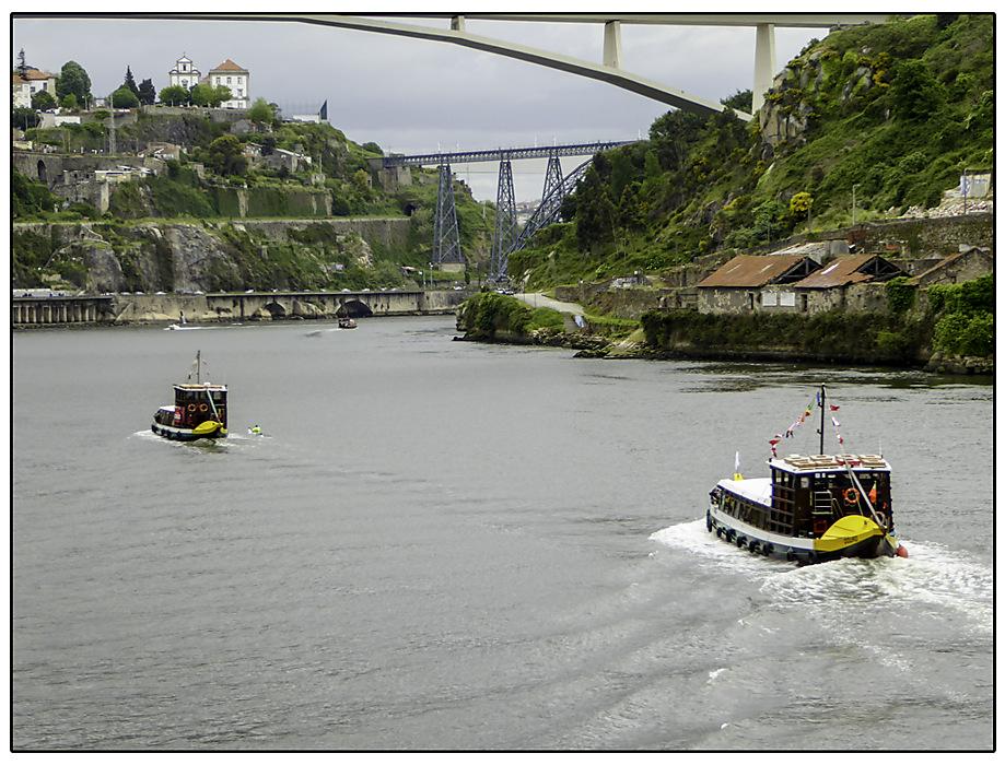photoblog image Porto-tour boats