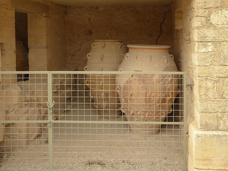 photoblog image Knossos - Pithoi