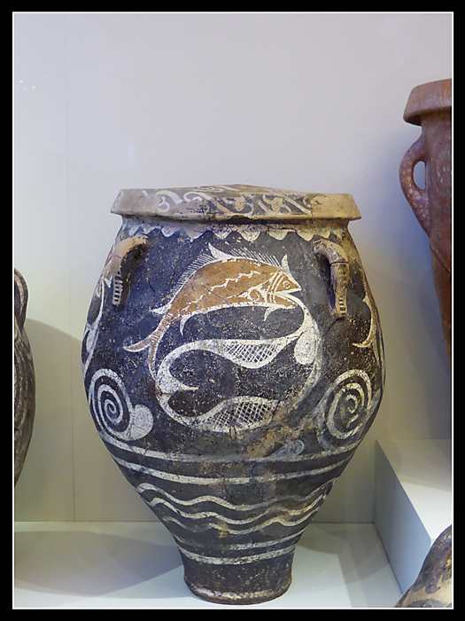 photoblog image Heraklion Museum - pot from Knossos