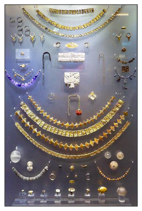 photoblog image Heraklion Museum - jewellry