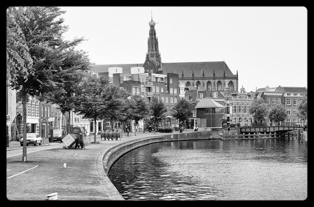 photoblog image Leiden - Canal and St Ludwig's Church