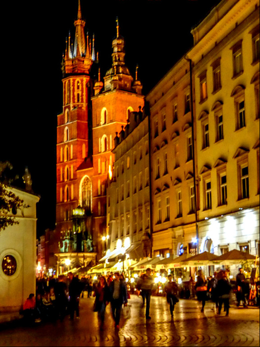photoblog image Krakow-the old town by night.jpg