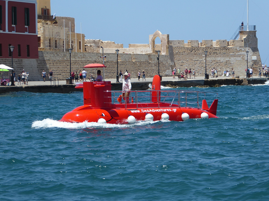 photoblog image Chania, Crete - tourist submarine