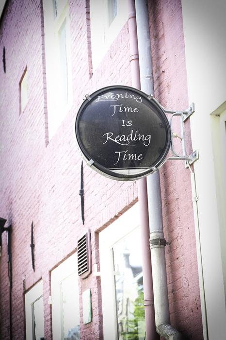 photoblog image Reading time