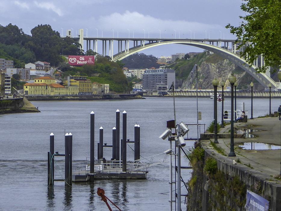 photoblog image Porto-Arrabida bridge