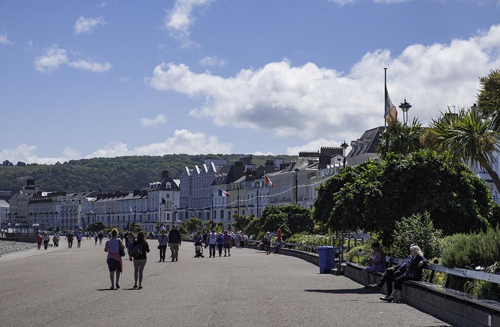 photoblog image Llandudo-Promenade