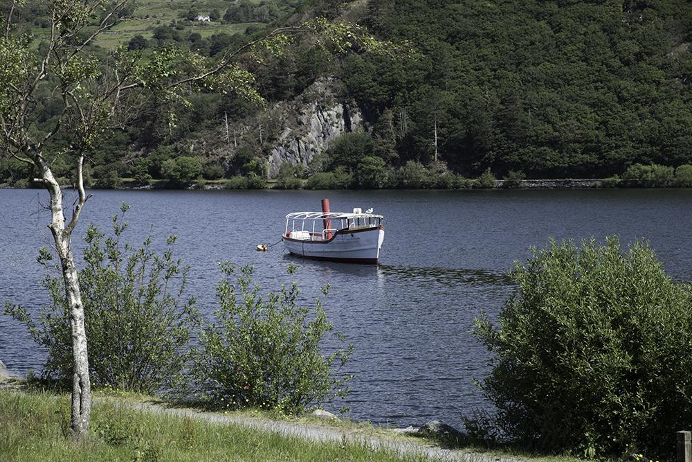 photoblog image Llanberis-Pleasure boat on Lyn Padarn
