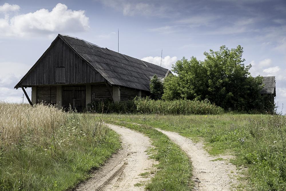 photoblog image Dusetos-old wooden barn 2